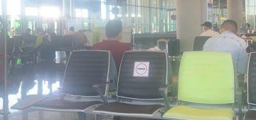 """شوهة.. طيارة ديال """"لارام"""" جاية من كازا وغادية للعيون خسرات ف مطار لاس بالماس والمسافرين كاعيين على الشركة – تصاور"""