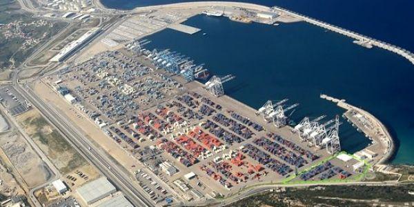 الصبليون ضارهم راسهم على ميناء طنجة المتوسط. فات ميناء فالنسيا وحطم نتائج قياسية هاذ العام