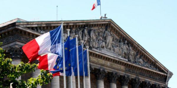 البرلمان صوت بشكل نهائي على قانون محاربة الانفصالية ففرنسا