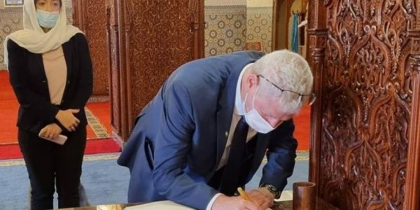 وفد اسرائيلي دار زيارة لضريح محمد الخامس والحسن الثاني – تدوينة