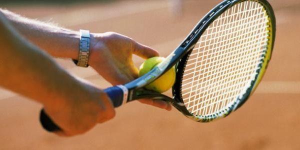 بسباب شبهات الفساد والتلاعب بنتائج الماتشات.. 6 للعابا ديال التنس توقفو من اللعب وطنيا ودوليا