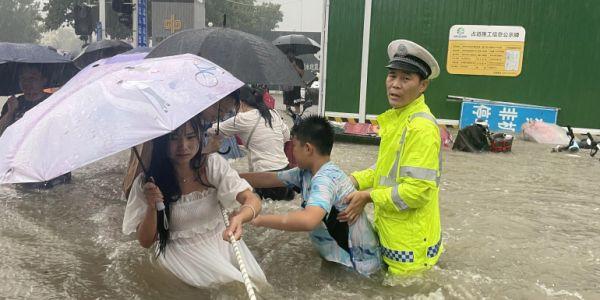 الصين: ضحايا الفيضانات تزادو والجيش تدخل