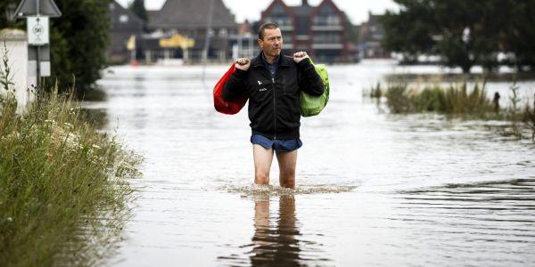 مئات المفقودين.. حصيلة الفيضانات فاتت 130 قتيل في ألمانيا
