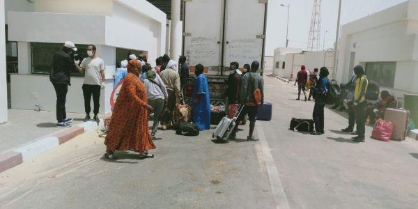 الكَركَرات.. 374 شخص لي دازو من المعبر الحدودي وها الجنسيات ديالهم -تصاور