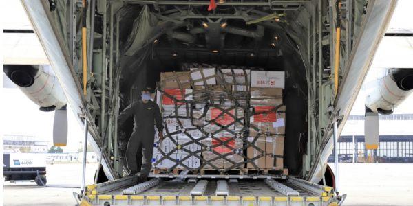 بتعليمات من سيدنا.. طيارات عسكرية هازين مساعدة طبية عاجلة مشات هاد الصباح لتونس