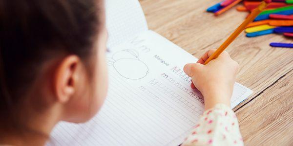 دراسة: الواحد يتعلم الكتابة باليد حسن ليه بزاف من الكتابة فـ الآيباد