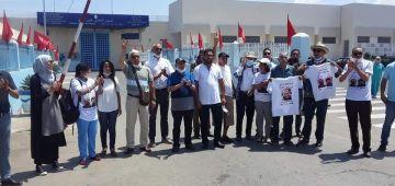 حقوقيون من باب حبس عكاشة كيطلبو الريسوني يوقف إضرابو على الماكلة – فيديو