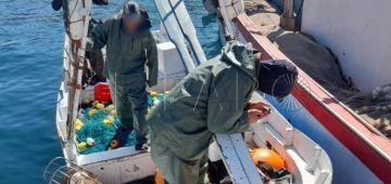 """سبتة.. """"لاگوارديا سيبيل"""" شدو 3 ديال الصيادين مغاربة متهمين بتسهيل الحريگ"""