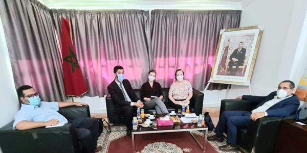 وفد سفارة ميريكان زار مقر اللجنة الجهوية لحقوق الإنسان فـ العيون