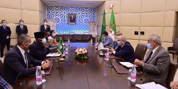 وزير خارجية نظام عسكر الدزاير تلاقى مفوض الإتحاد الإفريقي وملف الصحرا على راس البروكَرام