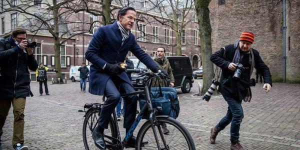 """بحال شي فيلم.. تقرير استخباراتي هولندي: """"عصابة مغربية"""" باغا تخطف رئيس الوزراء وتقتلو"""