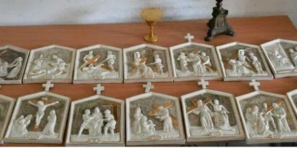 مصري وطالياني ومغربي كشطو كنيسة تاريخية ف إيطاليا