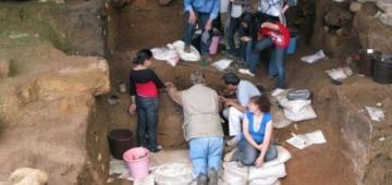 علماء لقاو أقدم دليل على بداية صنع الحوايج ف العالم وسط مغارة ف المغرب