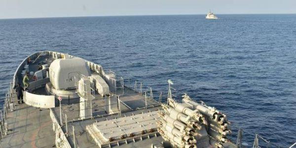 فـ سيمانة وحدة. فرقاطة تابعة للبحرية الهندية درات مناورات بحرية لأول مرة مع المغرب والجزائر