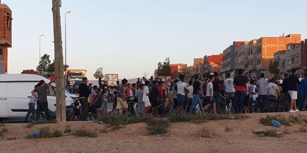 ترونات فـ وجدة.. مواجهات بين مغاربة و مهاجرين من إفريقيا جنوب الصحراء طاحو فيها عدد من المصابين