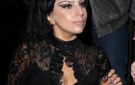ليدي غاغا تقلد بيونسيه (صور)