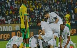 الجزائر تحقق الفوز الافتتاحي الأول بكأس إفريقيا منذ 25 عاما (فيديو الأهداف)