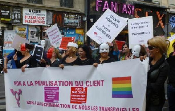 فرنسا زيرات على الدعارة و عاملات الجنس دارو مظاهرات