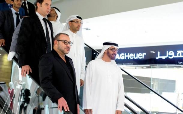 قبل ما يكمل زيارتو للعيون: محمد السادس في الامارات والسعودية