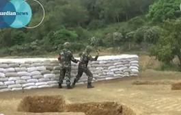 نفذو هجوم على راسهوم!. جنديين صينيين يفجران قنبلة بالخطأ على بعد أمتار منهما خلال تداريب ميدانية + فيديو