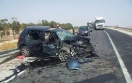 الطريق كتقتل: حادث سير قرب مراكش بين سيارة و اسعاف