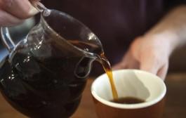 التقشف علينا غير حنا. مدير في العمران كيخسر 10 الاف درهم شهريا غير في القهوة