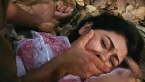 هادو وحوش ما عندهوم علاقة بالبشر. اغتصاب واحتجاز فتاة بشكل جماعي وتصويرها عارية في المحمدية