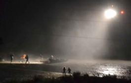 الازمة خايبة. اعتقال إسباني من بين عشرات هاجموا الجمارك  والشرطة لسرقة مخدرات محملة في قارب سريع + فيديو الهجوم