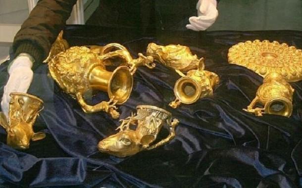 اعتقال عصابة كنوز تزور الذهب