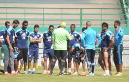 """اتهامات للرجاء وشباب الريف الحسيمي والدفاع الجديدي بـ """"التآمر"""" ضد فريق في الدوري المغربي"""