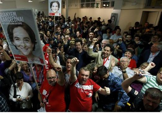 زلزال سياسي في اسبانيا. احزاب خرجات من الجنب للحزبين الشعبي والاشتراكي. داو برشلونة ويمكن يديرو مدريد