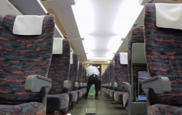 """فيديو الاسبوع. الاقزام العمالقة ينظفون قطار """"تي جي في"""" في 7 دقائق وحنا كنقيوه ف 7 سنوات"""