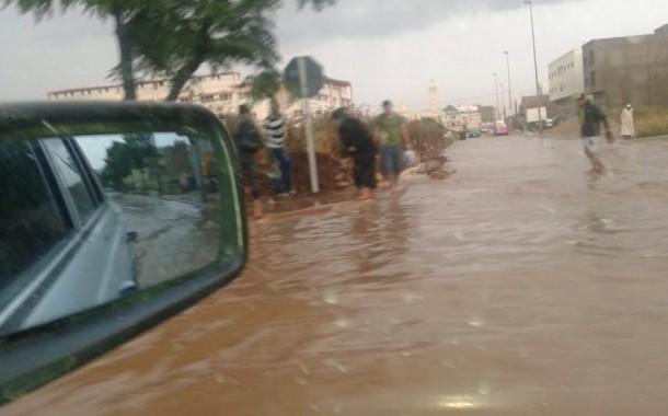 الأمطار تُعرّي البنية التحتية لمدينة فاس ونشطاء يستغيثون بعلال القادوس +صور وفيديو