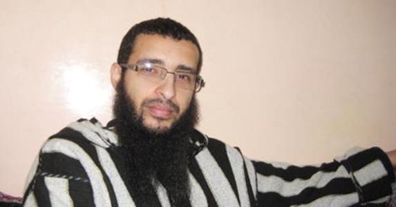سابقة.. قاضي العيون يطالب وزارة العدل بإسقاط الجنسية المغربية عنه، وها علاش