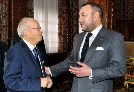 الملك للرئيس التونسي: ندين هذا العمل الاجرامي والمغرب متضامن معكم وداعما لاستقراركم ولامنكم والشعب المغربي يعزيكم