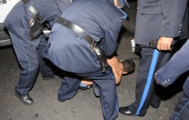 اعتقال شرطي مبحوث عنه بتهمة تلقي رشاوى من تجار القرقوبي كان يستعد للهجرة السرية انطلاقاً من طنجة