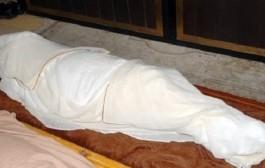 معاناة المرضى فوجدة مكتسالاش حتى بعد الموت. عائلة جاو يدفنو أمهم لقاوها تدفنات والمسؤولين عطاوهوم جثة أخرى!
