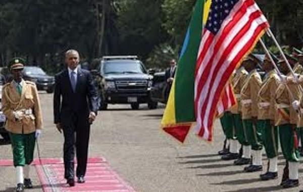 أثيوبيا تستخدم سجاد المساجد في مراسم استقبال أوباما (صور+ فيديو)