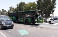 اصطدام حافلة النقل الحضري مع شاحنة في الطريق الرابطة بين التشارك وتيط مليل والحصيلة إصابة 21 شخص