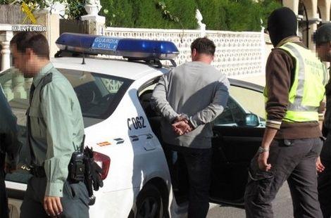 إسبانيا تعتقل قاتل وتاجر أسلحة مغربي نفذ جرائم خطيرة في هولندا وكان موضوع على قائمة المجرمين الخطيرين