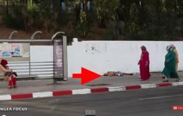 مابقات انسانية. بالفيديو. مغربي مصاب ومرمي فشوارع طنجة وتاواحد ماداها فيه