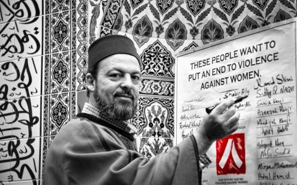 هذا هو الاسلام الحقيقي. إمام مغربي يحمع ما يقارب 5000 دولار لترميم كنيسة في كندا
