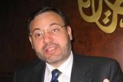 اخبار الطنز .  أحمد منصور. انا مثلي ولم اتزوج في حياتي!