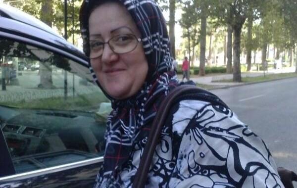 الكاتبة الخاصة لعمدة فاس تشعل حربا بين الميزان والحمامة. وزير يفاوضها سرا للالتحاق بالتجمع الوطني للاحرار