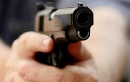 زوج فرادة تلقاو حدا مركز تدريب الشرطة بالقنيطرة شعلو العافية في البوليس
