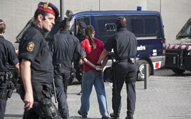 إعتقال تسعة مغاربة في إسبانيا بسبب النصب والاحتيال على الدولة