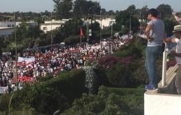 هاد الشي اللي كال المخزن: عشرات الالاف من المغاربة يحتجون على السويد بالرباط