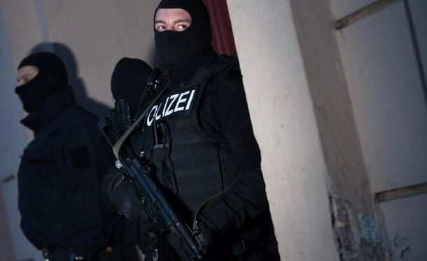 """السلطات الألمانية تعتقل 3 متهمين بينهم مغربي ينتمون لجماعة """"جند الشام"""" الإرهابية"""