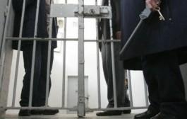 حاميها حراميها. انطلاق محاكمة حارس في سجن تُولال1 ضبطت بحوزته صفيحتان من الحشيش وكان ينوي ترويجها بين السجناء