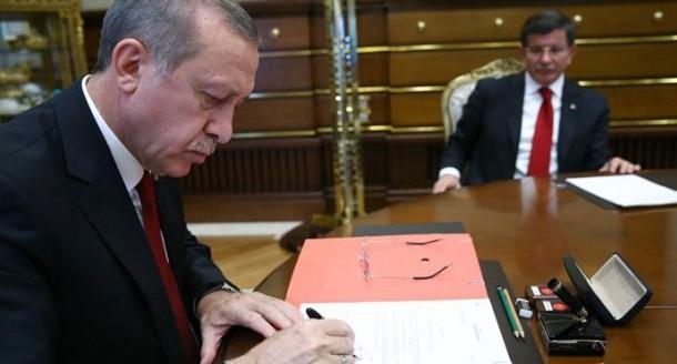 يخليلو النسيب. راجل بنت أردوغان أصغر وزير في حكومة تركيا الجديدة